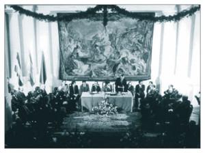 Acto de inauguración del Salón de Plenos del Palacio de la Real Audiencia de Sevilla, sede provisional del Parlamento de Andalucía.