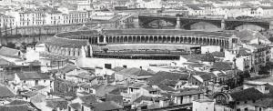 FOTO 1 - 1860 plaza de toros sin terminar y puerta arenal