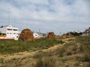 Lumbreras romanas en Alcalá de Guadaíra que han quedado al descubierto tras la bajada del nivel del suelo.